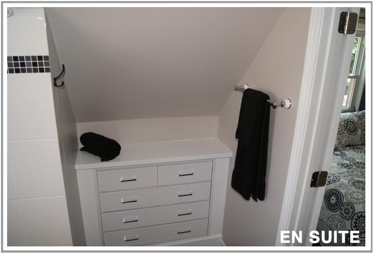 clean-spacious-bathroom-en-suite-rental