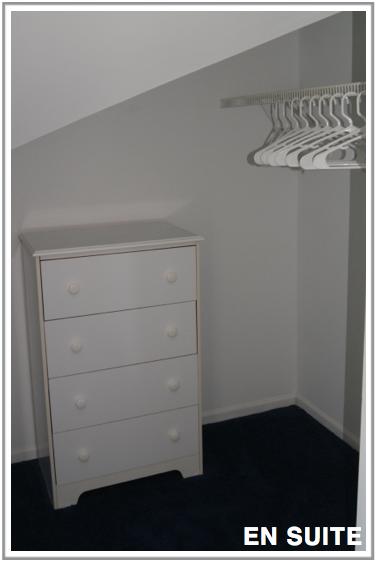 walk-in-closet-ensuite-bedroom-IMG-Chicago-rental